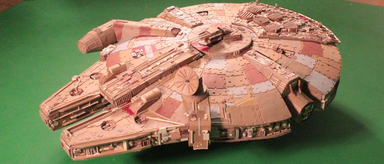 Millennium Falcon in cartone