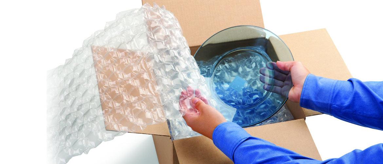 Film a bolle d'aria: l'imballaggio top per i traslochi
